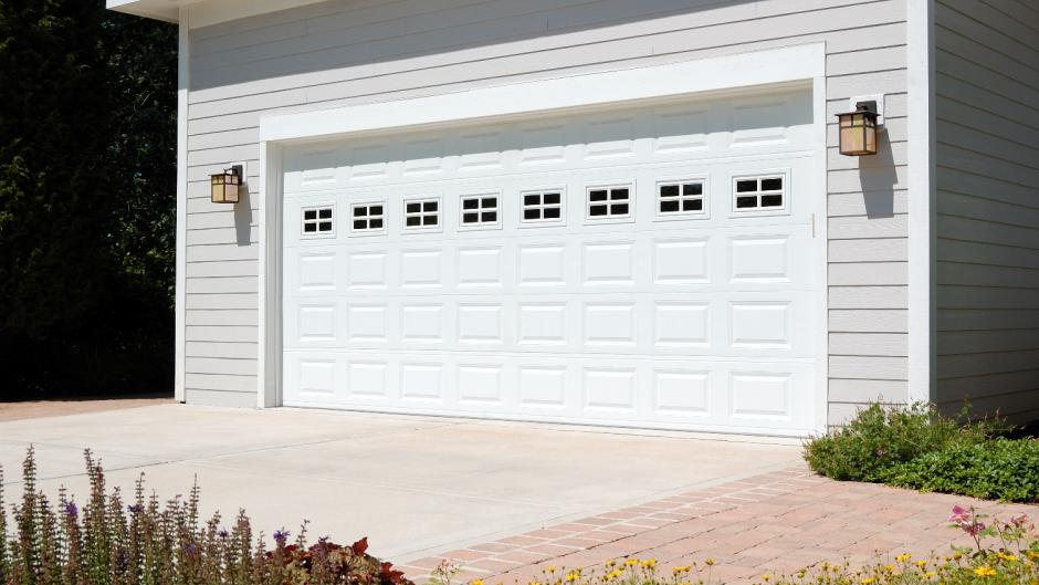 Modesto Traditional Style Garage Door